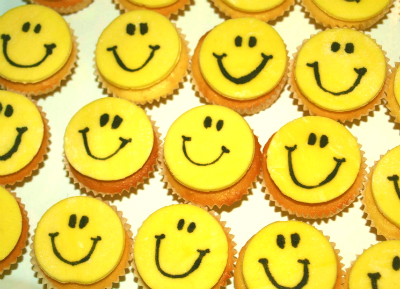Smiley-Face-Cupcakes-Resize