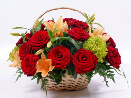 basket-of-flowers-252529